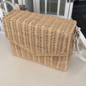 NEW Wicker Basket Crossbody Patent Shoulder Bag